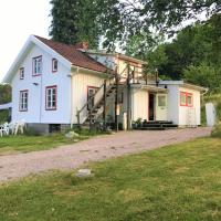 Björsjöås Vildmark, hotel in Olofstorp