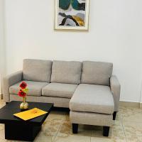 Departamento de lujo ubicado a 5 minutos de la playa las palmas edif1dep10, hotel em Esmeraldas