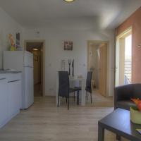 Appartement Pérouges, 1 pièce, 2 personnes - FR-1-493-305