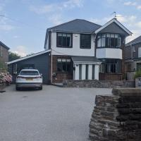 Beautiful Large 4-Bed House close to Celtic Manor