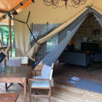Gifford Island Glamping Bed Breakfast, hotel in Mahone Bay