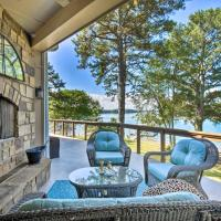 Gainesville Lake Getaway with 2-Story Dock!, hotel in Gainesville