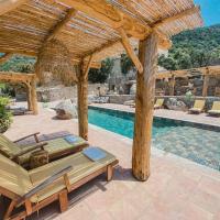 Résidence de Luxe 4 étoiles à Pietralba, 4 logements piscine chauffée BALAGNE, hôtel à Pietralba