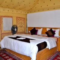 Jaisalmer Best Resort, hotel in Sām