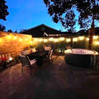 PERFECT SUlTE WITH HOT TUB NEAR THE CITY