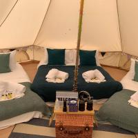 Luxury glamping for 6 - woodpecker