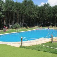Camping Cobijo, hotel in Vinuesa