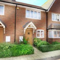 Wokingham - 2 Bed House with parking and garden