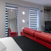 Luxury one bedroom guesthouse with 2 parking space