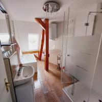 Schwarzer Adler Ferienwohnung mit 3 Schlafzimmern und 2 WC, Hotel in Märkisch Buchholz