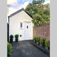 Private Studio Flat with lovely garden