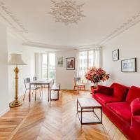 Grand et bel appartement sur la place de Clichy
