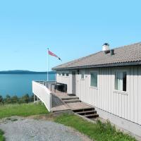 Holiday Home Heimtun - FJH668, hotel in Flygansvær