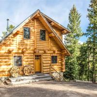 Log Cabin on the River: Hot Tub, BBQ , and Fire Pit, hotel in Black Hawk