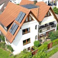 Charmante Maisonettewohnung mit Blick auf Obstplantagen,145 qm mit Balkom, hotel near Friedrichshafen Airport - FDH, Meckenbeuren