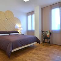 Angelina Urban Lodge, hotel a Tolentino