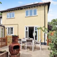 3 bedroom seafront cottage in Southend