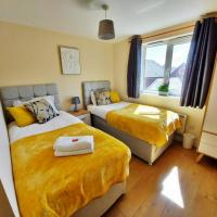 Cosy STAYCATION & Free and Private Parking & Port & Families and Contractors