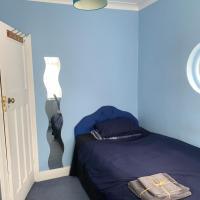 Single room for single traveller