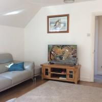 Lovely detached coach house in Torquay with free WiFi and parking