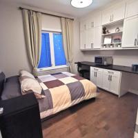 Cozy Bedroom Suite Business Trip Quiet in Barrhaven ottawa, hotel em Ottawa