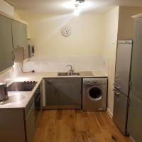 Double bedroom flat 2 mins from North Acton station