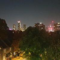 Private Rooms in a 5 bed flat near Elephant & Castle - Zone 2