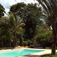 Chacara com piscina e churrasqueira em Guararema