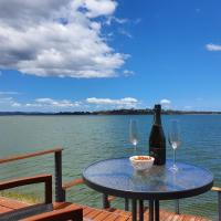 Oysterhouse - A Premium Luxury Experience Right by the Water, hotel near Hobart International Airport - HBA, Penna
