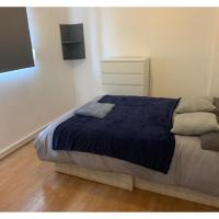 Sunny Double Room near Westfields Shopping Mall
