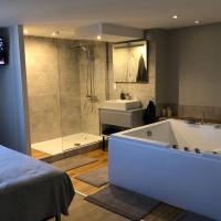 Nid d'amour- SPA- Superbe appartement avec jacuzzi, hotel near Dole - Jura Airport - DLE, Dole