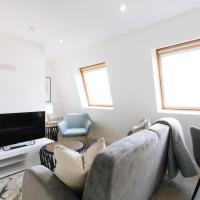 Modern 1BR Top Floor Apartment in Ipswich