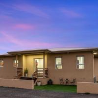 Loemans Lodge - Modern, 5 Bdrms near Melbourne Airport