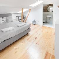 Room Lusíadas with private bathroom