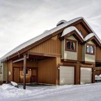 Beautiful 18 Person Ski-in/ski-out Chalet