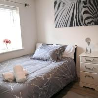 Garden View Ensuite Room with Free Off-Street Parking in Kettering