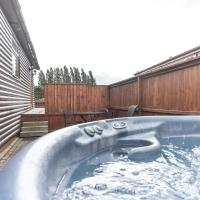 Lodge 3 - Weston Hill Park with HOT TUB