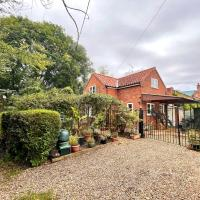 Willow Cottage on the upper River Bure, hotel in Aylsham