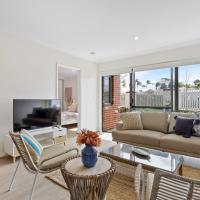 Heavenly Hideaway Coastal Inspired Apt Near Airport, hotel in Perth