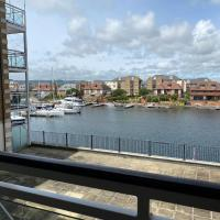 Marina Dreams - couples bolthole with water views