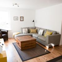 Pass the Keys Lovely, Bright 3 Bedroom Flat in Glasgow Southside