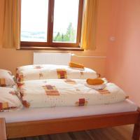 Penzión pod Barancom, hotel in Žiar