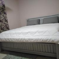 Neat furnished apartment for 3 days minimum stay, hotel in Accra