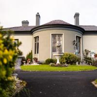 Ballinalacken Castle Country House Hotel, hotel in Doolin