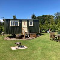 The Rowan Shepherds Hut, hotel in Eyemouth