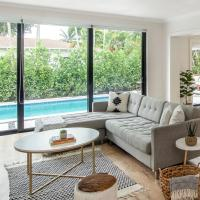 Chic House-POOL & FIRE PIT- 15Mins to South Beach, hotel in Miami