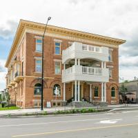 Luxury Rideau Apartments by Simply Comfort, hotel in Smiths Falls