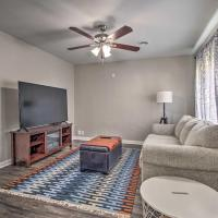 Quaint Olathe Home Family Friendly and Updated, hotel in Olathe