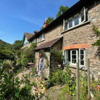 Cosy Cottage in Lynbridge near Lynton UK