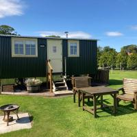 The Hawthorn Shepherds Hut, hotel in Eyemouth